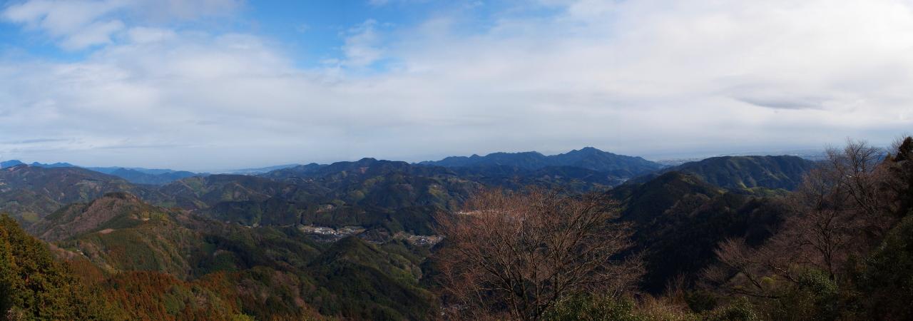 石山.jpg